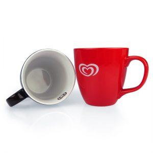 Kaffeebecher mit Druck auf der Innenseite